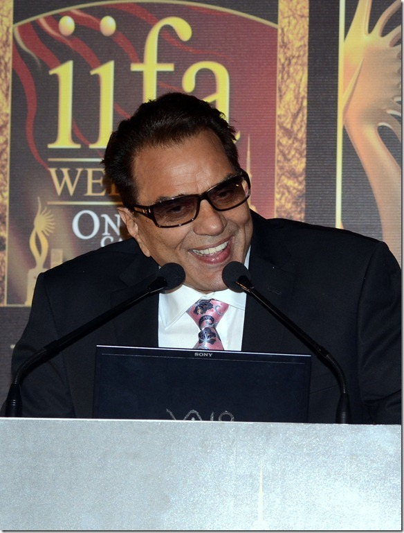 Bollwyood actor Dharmendra at IIFA Press Conference. Photo: FilmiTadka.